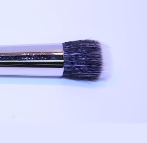 Foundationpinsel, two-tone, Natur-Synthetik-Mix 19 cm, Nr.23.jpg