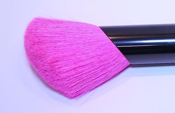 Puder – Rougepinsel, abgeschrägt, pink Ziege