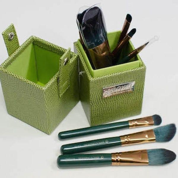 Guilty Pleasures Brush Set Envy Travel Box, products-set_gruen_reise_2_.jpg